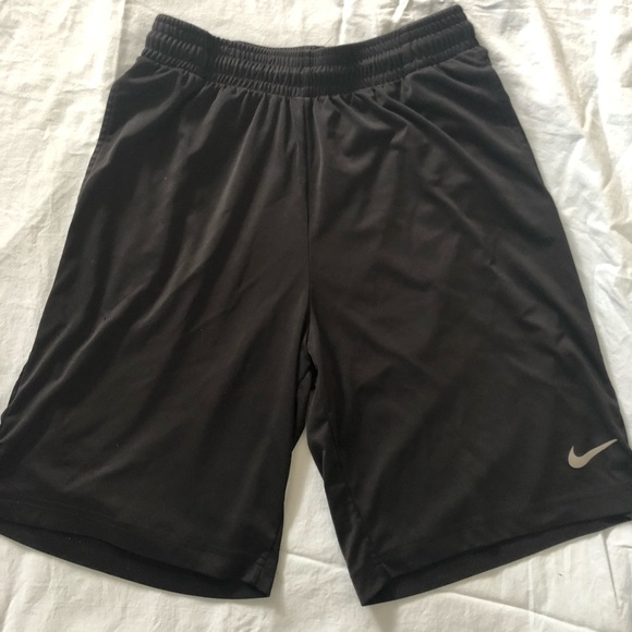 b9fead21 Nike Men's Team Fly Dri-Fit Shorts. M_5a8f294c739d489815aaf21c